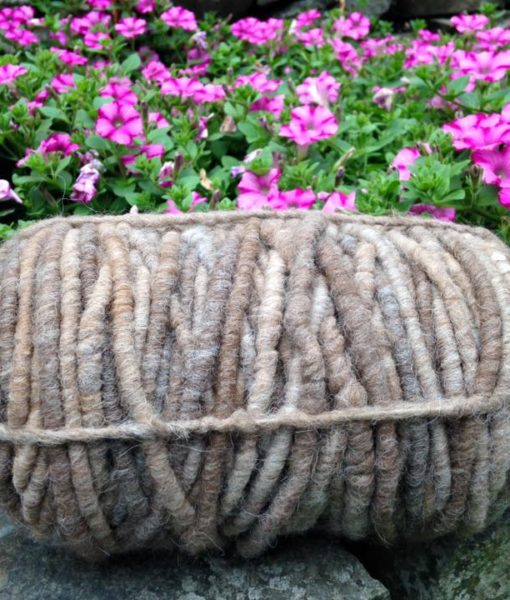 Rug yarn – grey with flowers
